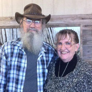 Si (Phil's brother) and his wife Christine have been happily married